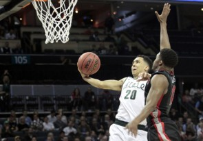 Trice's first 20 minutes of the 2015 NCAA Tournament included 11 points and 4 assists on the way to a second-round win over Georgia. (Bob Donnan/USA Today Sports)