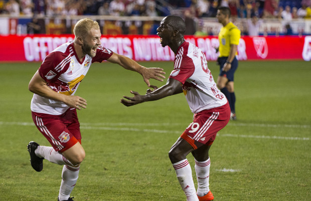 Mike-Grella-Bradley-Wright-Phillips-Red-Bulls-Chicago-Fire-Celebrate-1-620×400