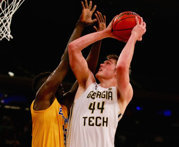 Georgia Tech's Ben Lammers (44) was too much inside for the smaller Roadrunners, racking up 15 points, 11 rebounds and five blocks in Tuesday night's win. (Robert Cole/ALOST)