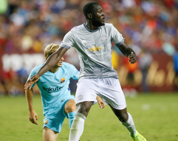 New Manchester United signing Romelu Lukaku, who will be filling the shoes of Zlatan Ibrahimovic as the Red Devils' main striker this season, played the whole 90 minutes tonight against Barça. (Robert Cole/ALOST)